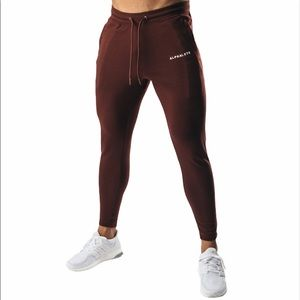 Alphalete Essential Fitted Jogger